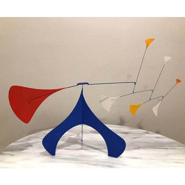 1997 Mid-Century Modern Art Deco Alexander Calder-Style Table Sculpture For Sale In Philadelphia - Image 6 of 6