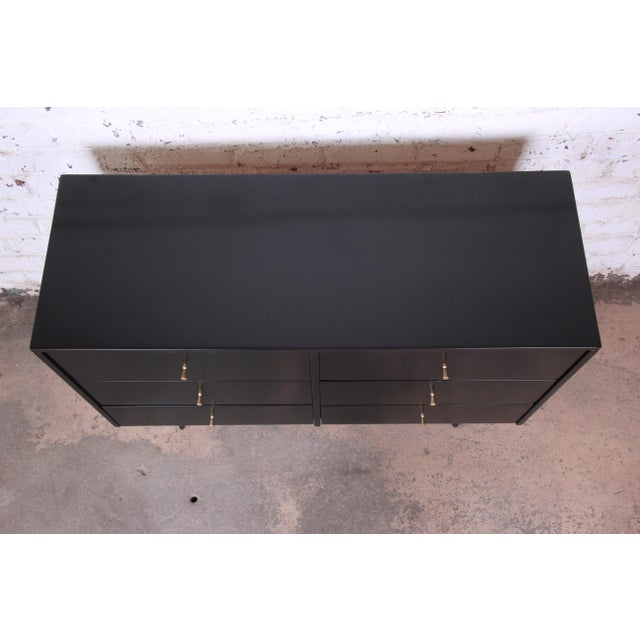 1950s Paul McCobb Planner Group Ebonized Six-Drawer Dresser, Newly Restored For Sale - Image 5 of 11