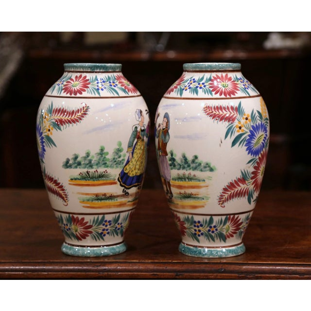 Early 20th Century Pair of Early 20th Century French Hand Painted Vases Signed Hb Quimper For Sale - Image 5 of 12