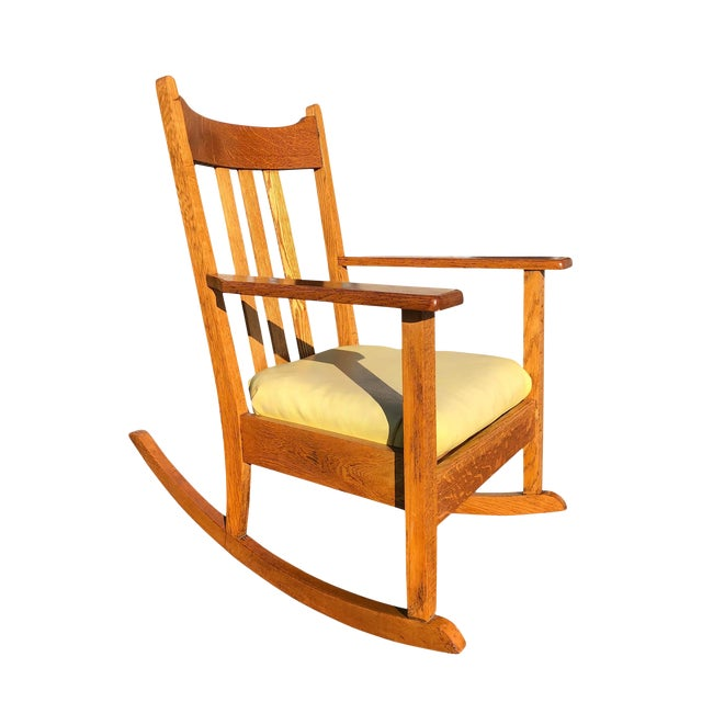 Early 20th Century Antique Quartersawn Mission Oak Rocking Chair For Sale