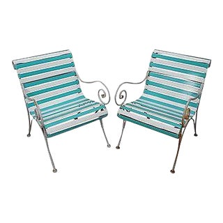 Woodard Pair of Vintage Vinyl Strap Iron Frame Patio Lounge Chairs For Sale