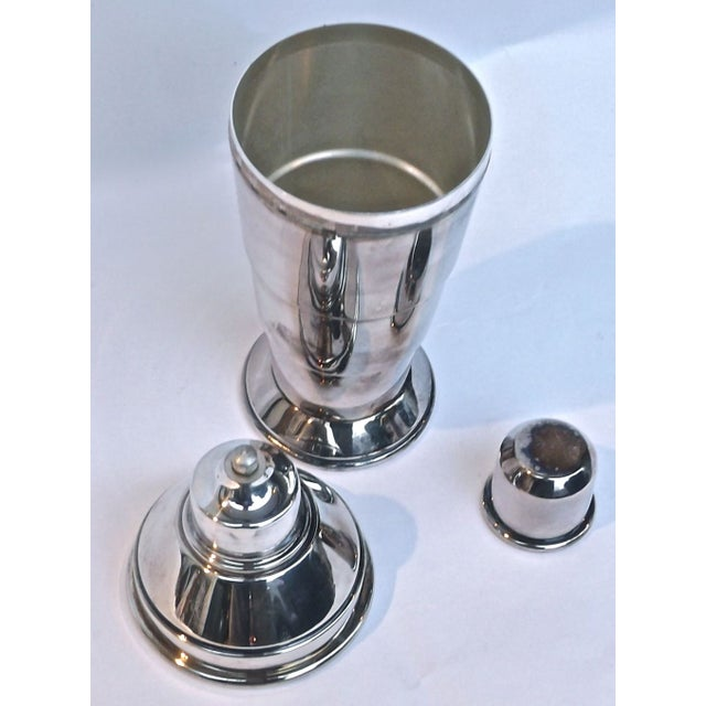 Art Deco Art Deco English Silver Cocktail Shaker For Sale - Image 3 of 4