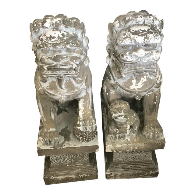 """33"""" H Large Weathered Vintage Gray Taupe Asian Foo Dogs - a Pair For Sale"""