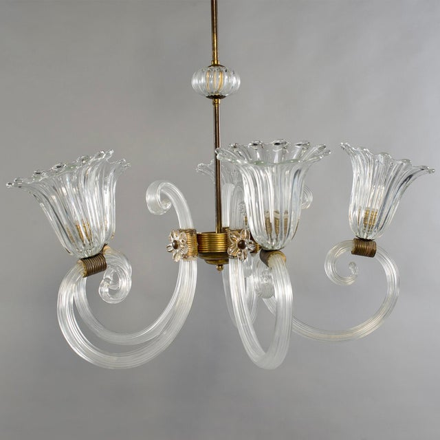 Metal Ercole Barovier Art Deco Clear Blown Glass Chandelier With Brass Fittings For Sale - Image 7 of 8