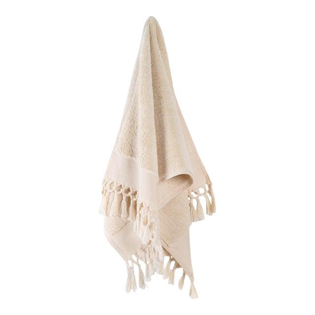 Plush & Bare Handmade Organic Cotton Hand Towel in Ecru For Sale