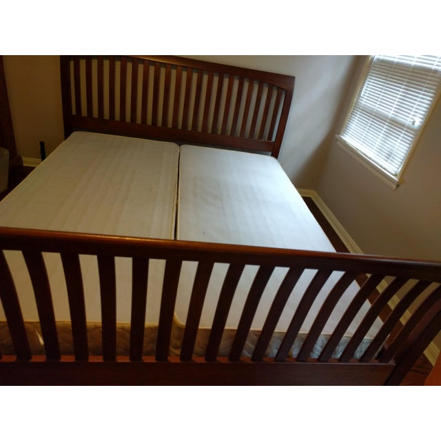 Ethan Allen American Impressions Solid Cherry California King Size Sleigh Bed AGE/COUNTRY OF ORIGIN: Approx 25 years,...