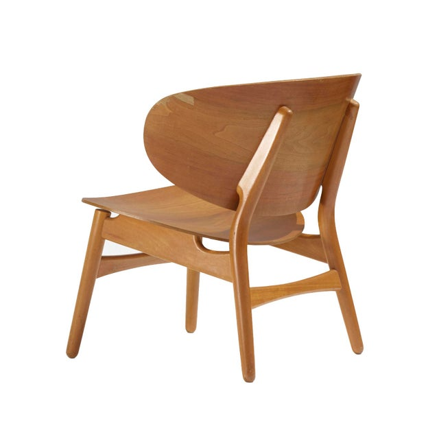 Mid-Century Modern Pair of Shell Lounge Chairs by Hans Wegner For Sale - Image 3 of 5