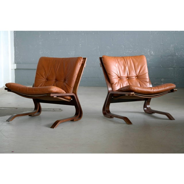 Pair of Midcentury Norwegian Easy Chairs in Cognac Leather by Oddvin Rykken For Sale In New York - Image 6 of 10
