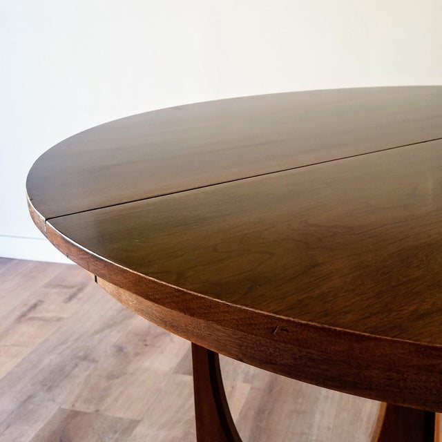 Mid-Century Modern 1960s Broyhill Brasilia Round Dining Table For Sale - Image 3 of 13