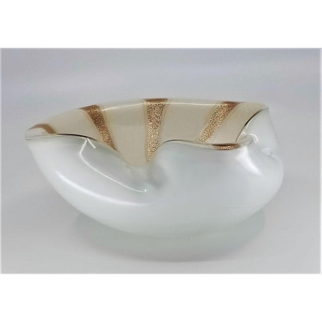 1950s Murano Glass Bowl by Alfredo Barbini - Circus Tent Design With White Gold and Copper Stripes For Sale - Image 9 of 13