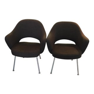 Pair of Mid Century Chocolate Brown Saarinen for Knoll Chairs For Sale