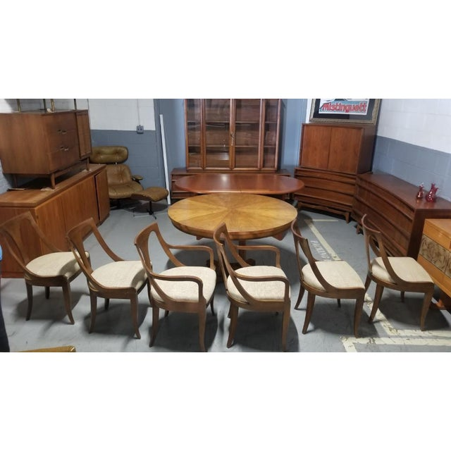 Set of 6 classic, empire-style, spoon-back Belvedere dining chairs by Kindel Furniture. This hard to find 1950's set...