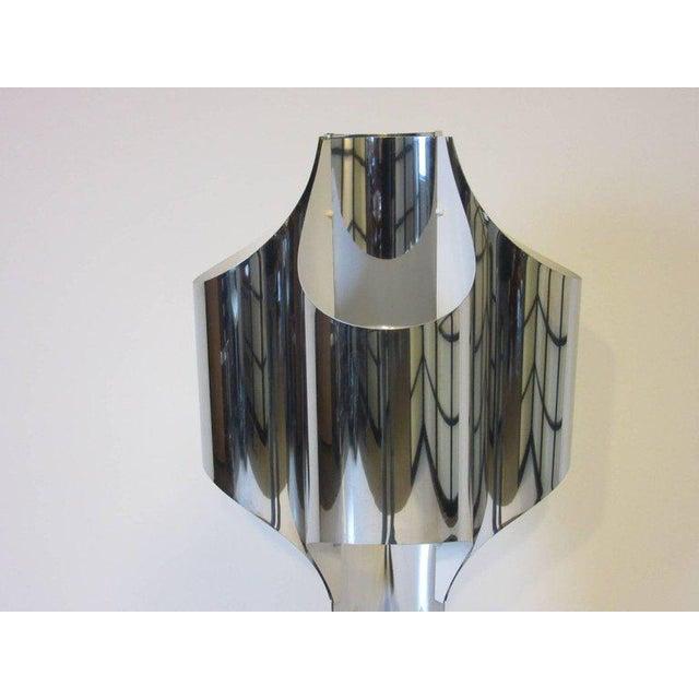 Mid-Century Modern Sonneman Sculptural Chromed Table Lamp For Sale - Image 3 of 8