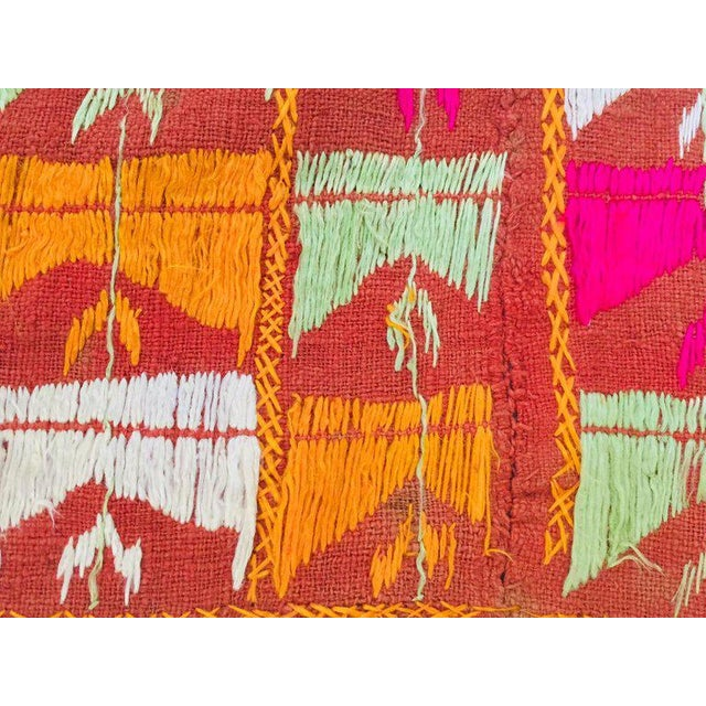Phulkari Wedding Shawl, Silk Embroidery on Cotton, Punjab India 20th Century For Sale - Image 10 of 13