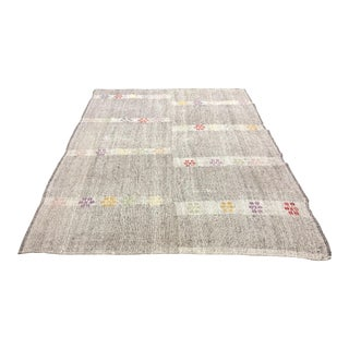 "1960s Floral Patterned Traditional Gray Turkish Vintage Handwoven Tribal Kilim Rug - 7'5"" x 10'6"" For Sale"