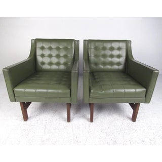 Pair Mid-Century Modern Club Chairs Preview