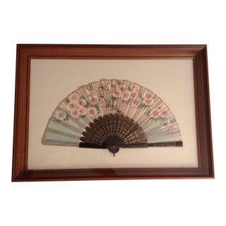 Antique Victorian Hand Painted Floral Design Silk Pleated Folding Fan Encased in Display Shadow Box For Sale