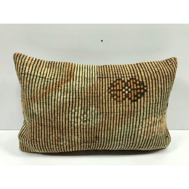 Nomadic Handmade Turkish Kilim Vintage Natural Lumbar Kilim Pillow Cover For Sale In Phoenix - Image 6 of 6