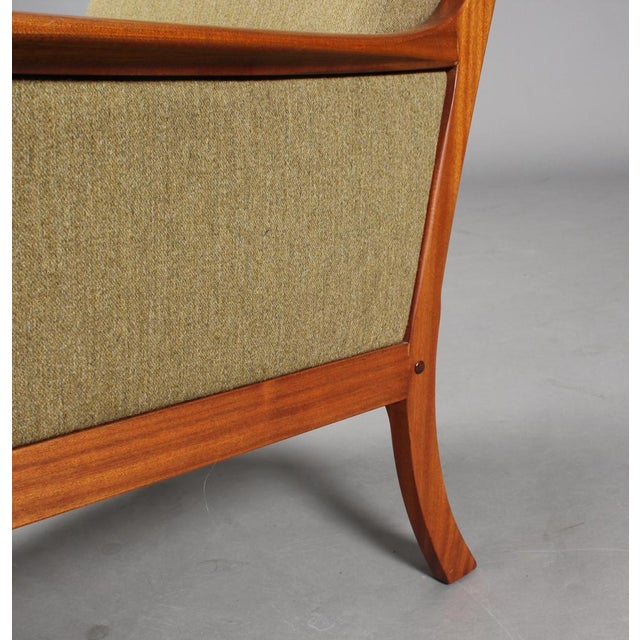 1960s 1960s Danish Modern Ole Wanscher for P. Jeppesen Mahogany Armchairs and Coffee Table - 3 Pieces For Sale - Image 5 of 8