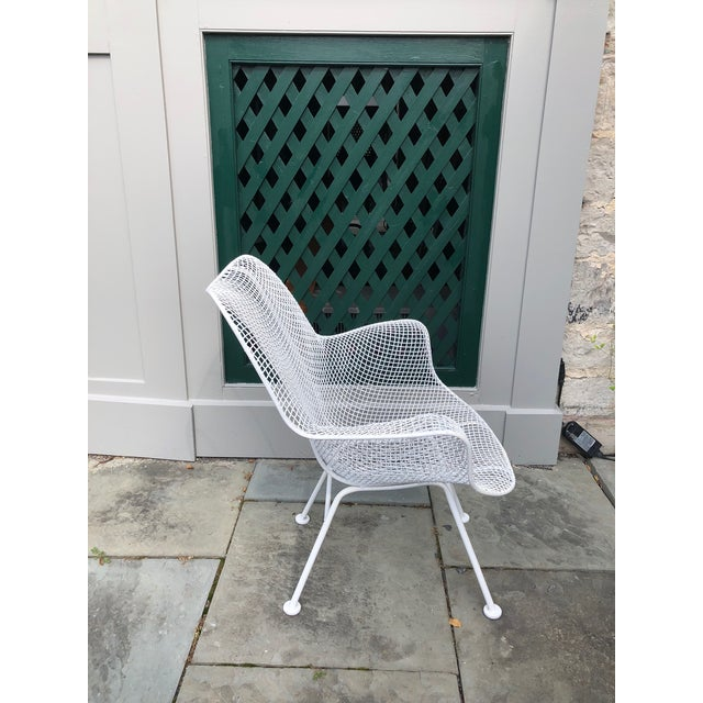 """1950s 1950s Woodard """"Sculptura"""" White Patio Chairs - a Pair For Sale - Image 5 of 14"""