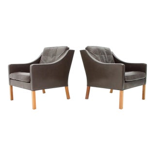 Pair of Børge Mogensen Lounge Chairs 2207 in Chocolate Brown Leather For Sale