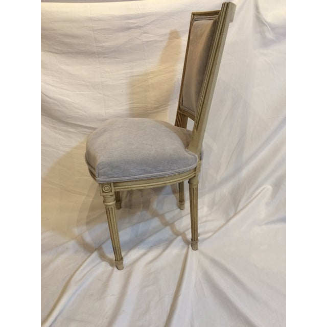 French Provincial Louis XVI Style Painted Chairs - Set of 6 For Sale - Image 3 of 9