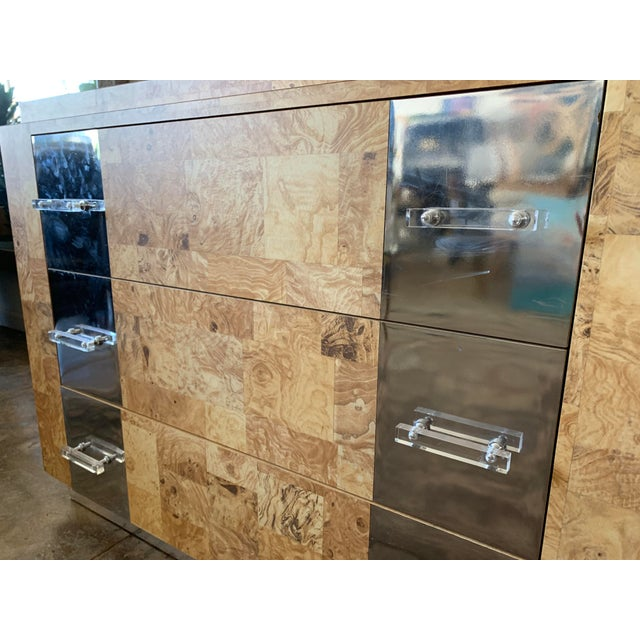 Milo Baughman Birdseye Burlwood Lucite and Chrome Dresser For Sale - Image 4 of 9