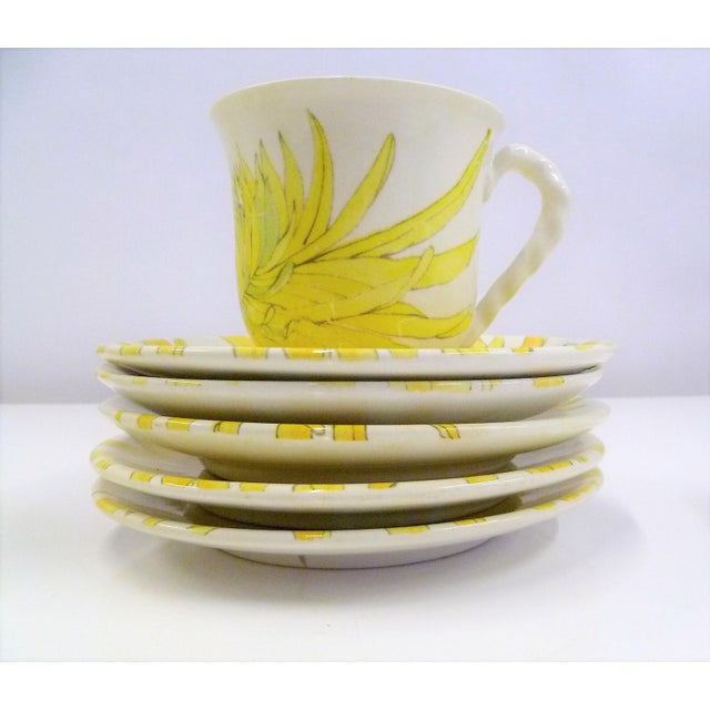 Modern Ernestine Ceramics, Salerno, Italy 1960s, 5 Cups Saucers Plus Creamer Chrysantemum Pattern - Set of 12 For Sale In Miami - Image 6 of 12