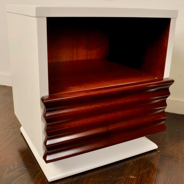 Mid-Century Modern Mid Century Lacquered Nightstands by Vanleigh Furniture For Sale - Image 3 of 12