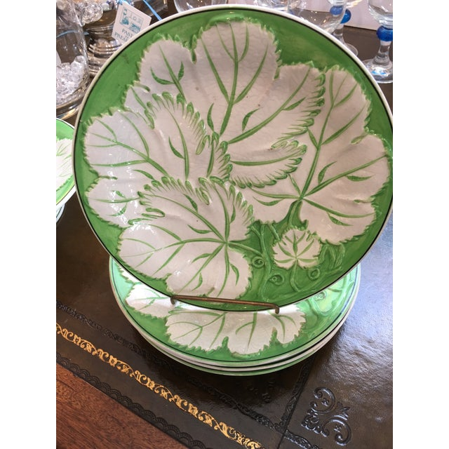 Green & White Majolica Plates & Tazza - Set of 5 For Sale - Image 4 of 6