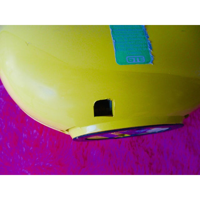 Bright Yellow Sculptura Donut Telephone Phone - Image 8 of 11