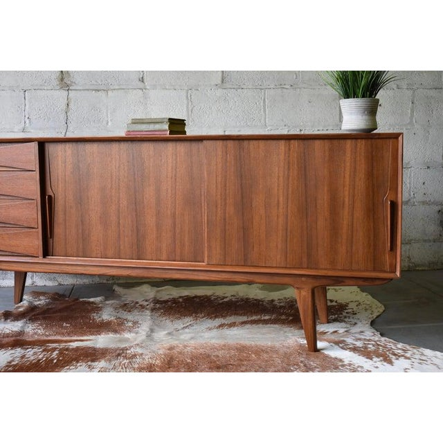 Wood Extra Long Mid Century Modern Teak Sideboard / Credenza For Sale - Image 7 of 11