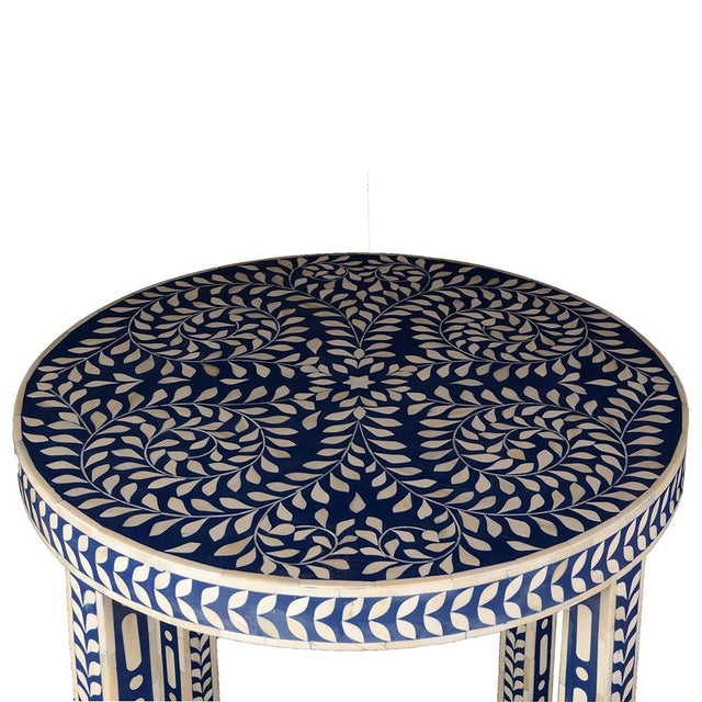Imperial Beauty Round Table Foyer in Indigo/White For Sale - Image 4 of 6