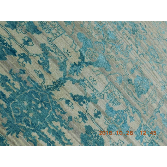 "Erased Hand-Knotted Luxury Rug - 7'10"" X 10'2"" - Image 10 of 10"