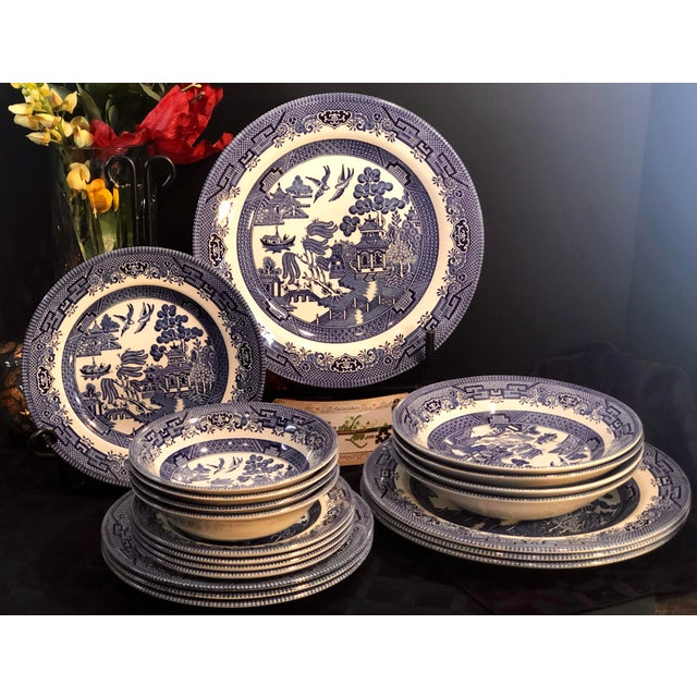 English Traditional Traditional English Churchill Blue Willow Dinner, Bread, Salad Plates, Soup, Cereal Bowls - 20 Pieces For Sale - Image 3 of 13