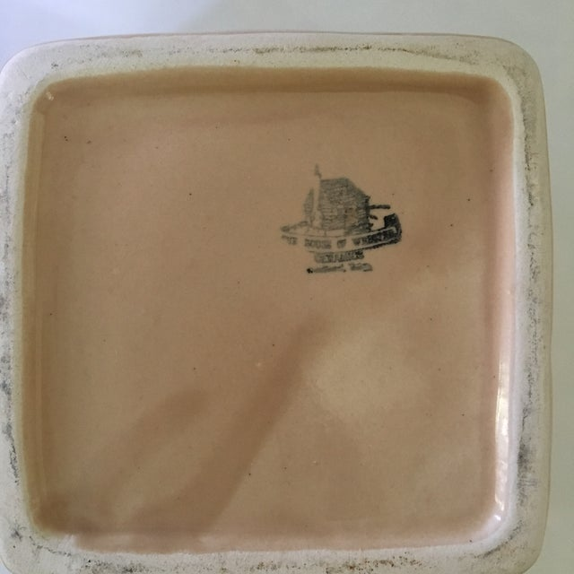 1970s Trompe l'Oeil House of Webster Ceramic Strawberry Pint Container For Sale - Image 6 of 9