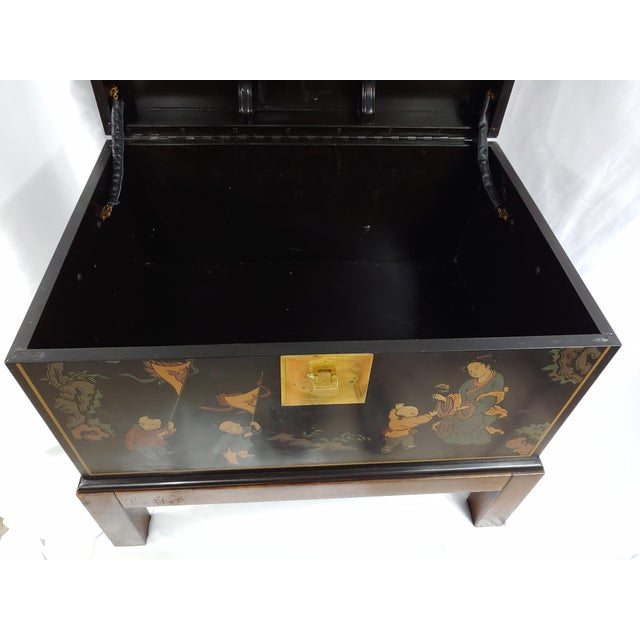 Chinoiserie Vintage Oriental Chinoiserie Storage Chest on Stand, Hand Painted For Sale - Image 3 of 3