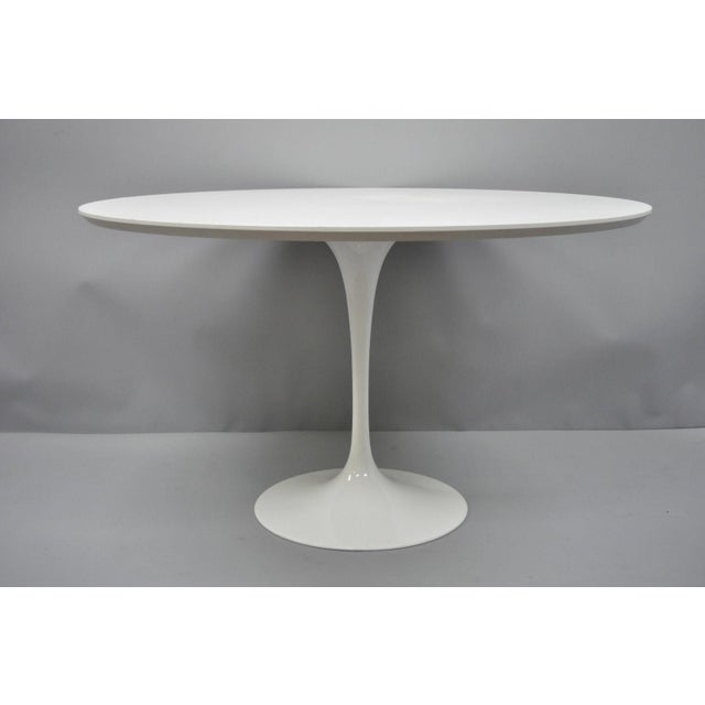 "Contemporary Modern White Saarinen Style Tulip Base 47"" Round Dining Table For Sale - Image 10 of 12"