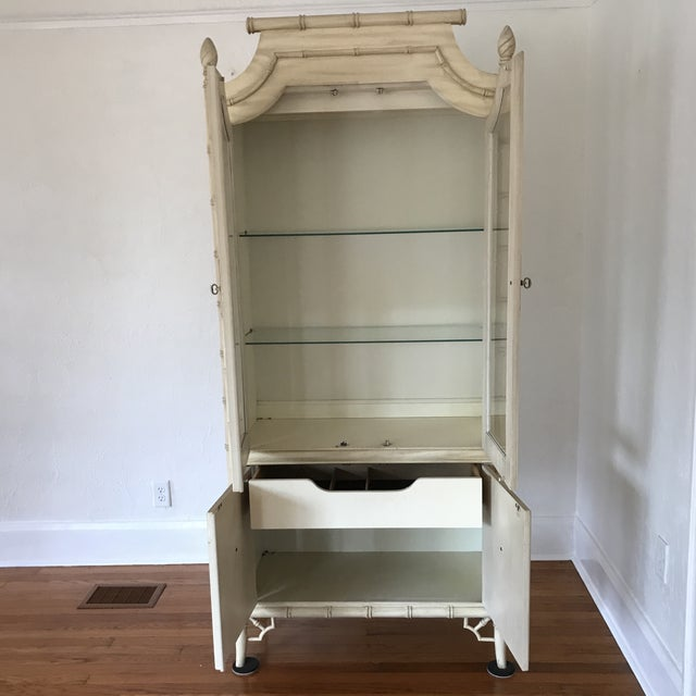 1970s Hollywood Regency Thomasville Allegro Chinoiserie Faux Bamboo Display Cabinet For Sale - Image 10 of 10