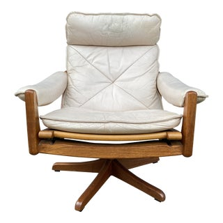Söda Galvano Norwegian Reclining Lounge Chair For Sale