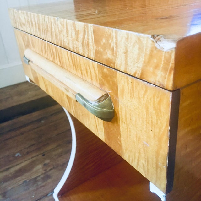 Brown 1930s Mid-Century Modern Streamline Moderne Tiger Maple & Burl Bed + Nightstand - 3 Pieces For Sale - Image 8 of 13