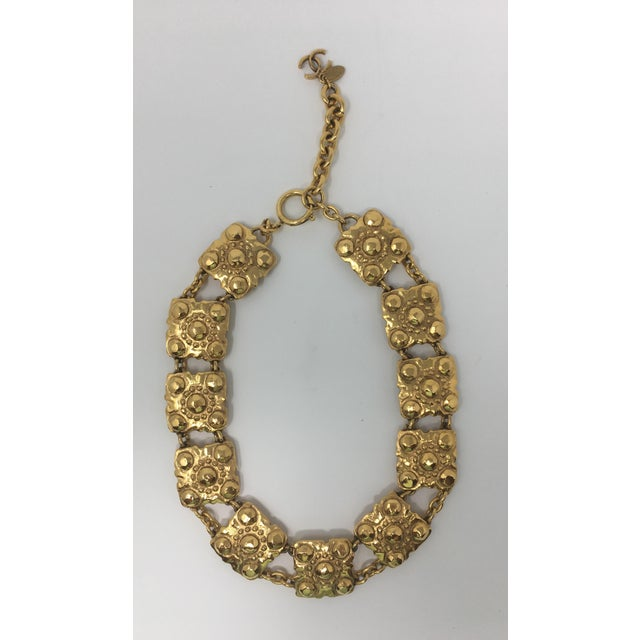 """Beautiful 2003 Chanel gold tone medallion link necklace. 16 1/4"""" long. 19"""" long to the interlocking seas at the end of the..."""
