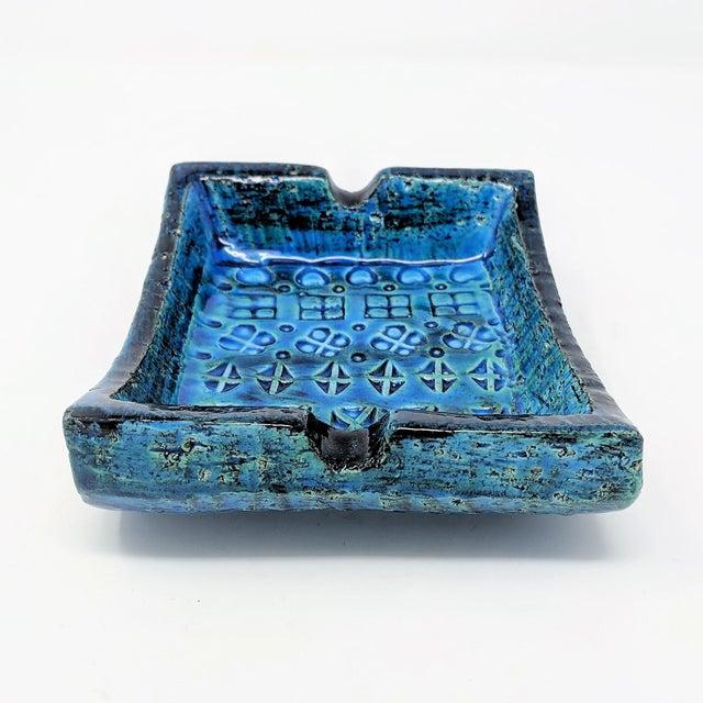 Mid-Century Rimini Blue Aldo Londi Bitossi Ceramic Ashtray for Raymor For Sale In Sacramento - Image 6 of 8