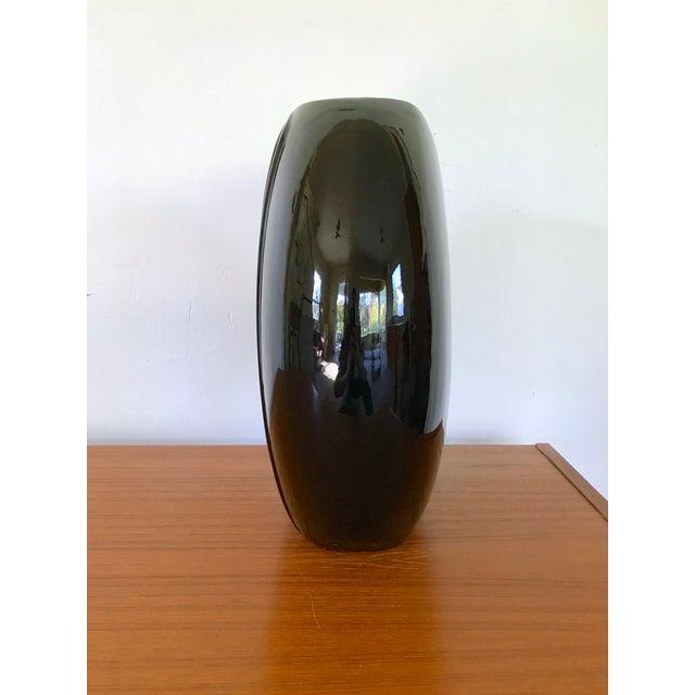 Art Deco 1980's Vintage Black Vase For Sale - Image 3 of 8
