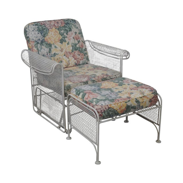 Vintage Woodard White Painted Patio Glider Lounge Chair & Ottoman For Sale