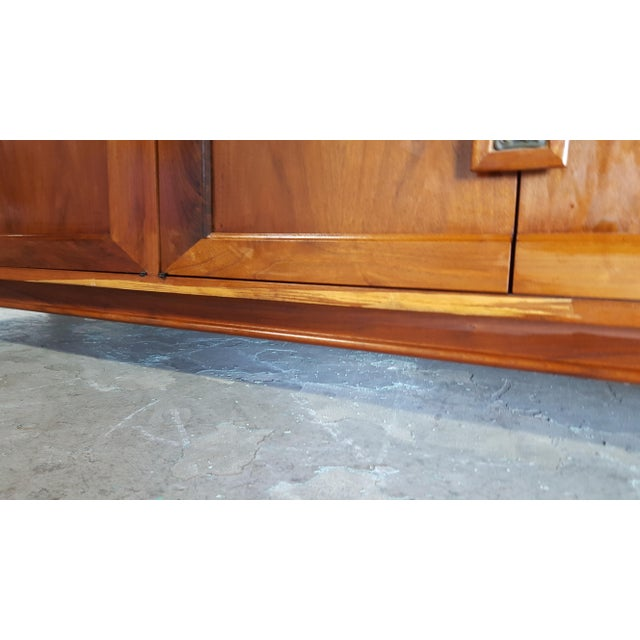 1960s Mid Century Modern John Keal for Brown Saltman Walnut Credenza For Sale - Image 11 of 13