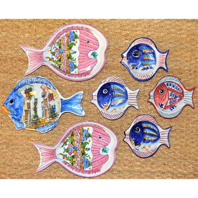 Mediterranean Vintage Collection of Mediterranean Pescado Majolica Dishes - Set of 7 For Sale - Image 3 of 6