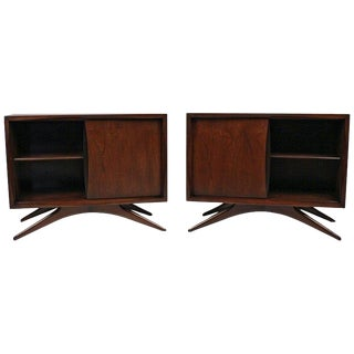 Vladimir Kagan for Grosfeld House Sculptural Walnut Nightstands, 1950s For Sale