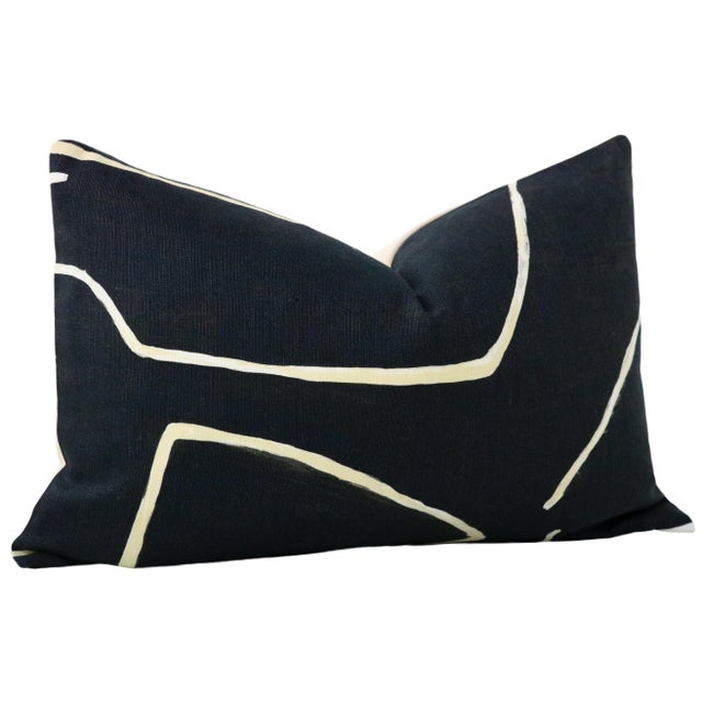 "Contemporary 12"" X 18"" Graffito Onyx + Beige Lumbar Pillows - a Pair For Sale - Image 3 of 7"