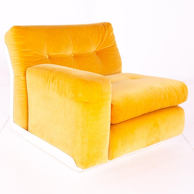 Canary Yellow Jack Cartwright for Founders Mid Century Sectional Fiberglass Sofa For Sale - Image 8 of 13